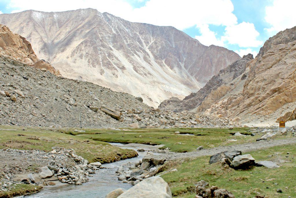 Nubra Valley-Dolina Kwiatów, jedno z piękniejszych miejsc w Leh i Ladakh. best time to visit India